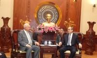 Bí thư Thành ủy thành phố Hồ Chí Minh tiếp Đại sứ Liên bang Nga và Tổng lãnh sự Trung Quốc