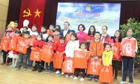 Ngành giáo dục Hà Nội gặp mặt 64 giáo viên, học sinh có chồng, cha  công tác tại quần đảo Trường Sa