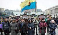 """ประธานาธิบดียูเครนตกลงจัดตั้งรัฐบาล """"ปลอดการเมือง"""""""