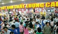 """สถานประกอบการเกือบ 500 แห่งได้รับหนังสือรับรอง """"สินค้าเวียดนามที่มีคุณภาพสูงปี 2014"""""""