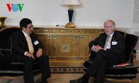รองนายกรัฐมนตรีฝามบิ่งมิงห์มีการพบปะกับมิตรต่างชาตินอกกรอบการประชุมสมัชชาใหญ่แห่งสหประชาชาติ