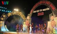 เปิดงานมหกรรมการร้องเพลงพื้นเมืองของเวียดนามประจำปี 2015 ภูมิภาคที่ราบสูงเตยเงวียน
