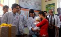 รองนายกรัฐมนตรีหวูดึ๊กดามเข้าร่วมพิธีชุมนุมสัปดาห์ฉีดวัคซีน