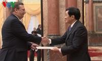 ประธานเจืองเติ๊นซางให้การต้อนรับเอกอัครราชทูตอิตาลี เม็กซิโกและฮังการี