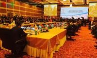 การประชุมรัฐมนตรีต่างประเทศอาเซียน + 3 และอีเอเอสขยายความร่วมมือในภูมิภาค
