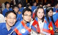 เยาวชนเวียดนาม กัมพูชาและลาวร่วมมือพัฒนาเศรษฐกิจ