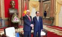 ประธานประเทศเจิ่นด่ายกวางให้การต้อนรับเอกอัครราชทูตสหพันธรัฐรัสเซียและญี่ปุ่น