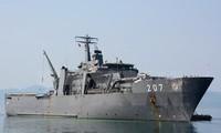 กองทัพเรือเวียดนามพบปะสังสรรค์กับกองทัพเรือสิงคโปร์ที่แกมแรง จังหวัดแค้งหว่า