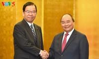 นายกรัฐมนตรีเหงียนซวนฟุ๊กให้การต้อนรับหัวหน้าพรรคการเมืองและสถานประกอบการญี่ปุ่น