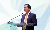 เวียดนามเสนอความคิดริเริ่มเกี่ยวกับการพัฒนาด้านเศรษฐกิจ การเงินและสังคมอย่างรอบด้าน