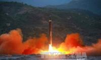 สาธารณรัฐประชาธิปไตยประชาชนเกาหลีประกาศทดลองยิงขีปนาวุธฮวาซอง 15 ประสบความสำเร็จ