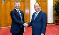 นายกรัฐมนตรีเวียดนามให้การต้อนรับรัฐมนตรีช่วยว่าการกระทรวงพัฒนาเศรษฐกิจอิตาลี