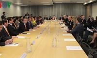 ประธานสภาแห่งชาติเวียดนามเข้าร่วมการสนทนาสถานประกอบการเวียดนาม – ออสเตรเลีย