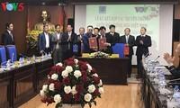 สถานีวิทยุเวียดนามและกลุ่มบริษัทปิโตรเลียมแห่งชาติเวียดนามลงนามสัญญาความร่วมมือด้านการสื่อสาร