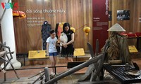 เยือนพิพิธภัณฑ์เครื่องมือการเกษตรใกล้สะพานแทงตว่านที่มีหลังคามุงกระเบื้อง