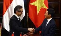 เวียดนามและอินโดนีเซียมุ่งสู่ความสัมพันธ์หุ้นส่วนยุทธศาสตร์