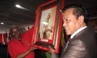 คณะผู้แทนพรรคคอมมิวนิสต์เวียดนามเข้าร่วมการประชุมสมัชชาพรรคเฟรลีโมในโมซัมบิก