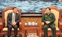 รัฐมนตรีกระทรวงกลาโหมเวียดนามให้การต้อนรับรัฐมนตรีช่วยว่าการกระทรวงกลาโหมอินโดนีเซีย