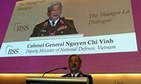 รัฐมนตรีช่วยกลาโหมเวียดนามNguyễn Chí Vịnhกล่าวปราศรัยในการสนทนาแซงกรีล่า