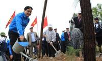 กองเยาวชนคอมมิวนิสต์โฮจิมินห์เปิดการรณรงค์ตรุษเต๊ตปลูกต้นไม้และอนุรักษ์สิ่งแวดล้อม