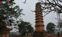 Bình Sơn, tháp đất nung độc đáo ở miền Bắc