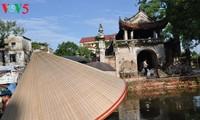 Nhộn nhịp phiên chợ nón làng Chuông