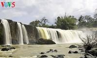 Vẻ đẹp của thác nước giữa đại ngàn Tây Nguyên
