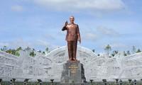 Khánh thành Tượng đài Chủ tịch Hồ Chí Minh ở Tây Nguyên