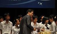 Tổ chức Gặp gỡ Việt Nam trao 170 suất học bổng cho học sinh, sinh viên nghèo