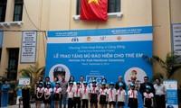 Tập đoàn AIG và Quỹ AIP trao tặng gần 2000 mũ bảo hiểm cho học sinh