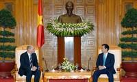 Thủ tướng Nguyễn Tấn Dũng tiếp Cục trưởng Cục Chống tham nhũng Liên bang Nga