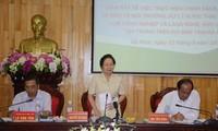 Phó Chủ tịch nước Nguyễn Thị Doan tiếp xúc cử tri một số xã của tỉnh Hà Nam