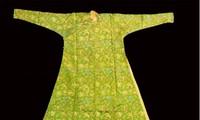 Giới thiệu bộ sưu tập những chiếc áo dài cổ, trong nghệ thuật sắp đặt đa phương tiện