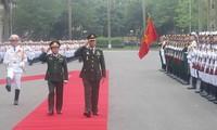 Tư lệnh lực lượng Quốc phòng Thái Lan thăm Việt Nam