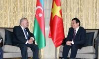 Chủ tịch nước Trương Tấn Sang gặp Thủ tướng Azerbaijan Artur Rasizade