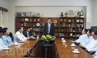 Bộ trưởng Bộ Quốc phòng Phùng Quang Thanh thăm Đại sứ quán Việt Nam tại Ấn Độ