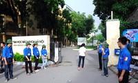 Thanh niên tình nguyện tham gia đảm bảo an toàn giao thông