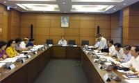 Đại biểu Quốc hội đóng góp vào Dự thảo Văn kiện Đại hội XII