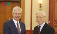 Tổng Bí thư Nguyễn Phú Trọng tiếp Chủ tịch Quốc hội Pháp Claude Bartolone