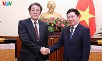 Phó Thủ tướng Phạm Bình Minh tiếp Đại sứ đặc mệnh toàn quyền Nhật Bản tại Việt Nam