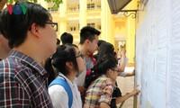 Các thí sinh thi môn đầu tiên, kỳ thi THPT Quốc gia năm 2017