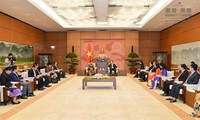 Phó Chủ tịch Quốc hội Phùng Quốc Hiển tiếp Chủ nhiệm Ủy ban Tư pháp Lào