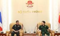 Bộ trưởng Bộ Quốc phòng Việt Nam tiếp Thư ký Thường trực Bộ Quốc phòng Thái Lan