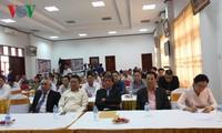 Chủ tịch Mặt trận Lào xây dựng đất nước nói chuyện với bà con Việt kiều