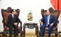 Thủ tướng Nguyễn Xuân Phúc tiếp Tổng thư ký ASEAN Lê Lương Minh