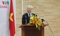 Tổng Bí thư Nguyễn Phú Trọng đến thăm Đại sứ quán Việt Nam tại Campuchia