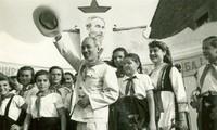 Hồ Chí Minh - sứ giả của tình hữu nghị và đoàn kết giữa các dân tộc