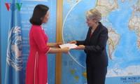 Tân Đại sứ Việt Nam bên cạnh UNESCO trình Thư ủy nhiệm