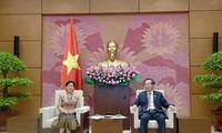Phó Chủ tịch Quốc hội Phùng Quốc Hiển tiếp Chủ tịch Kiểm toán Nhà nước Lào Viengthong Siphandone