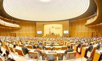 Quốc hội thảo luận ở tổ về tình hình kinh tế-xã hội
